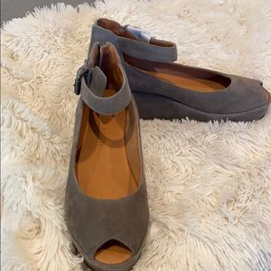 Gentle souls taupe suede shoes